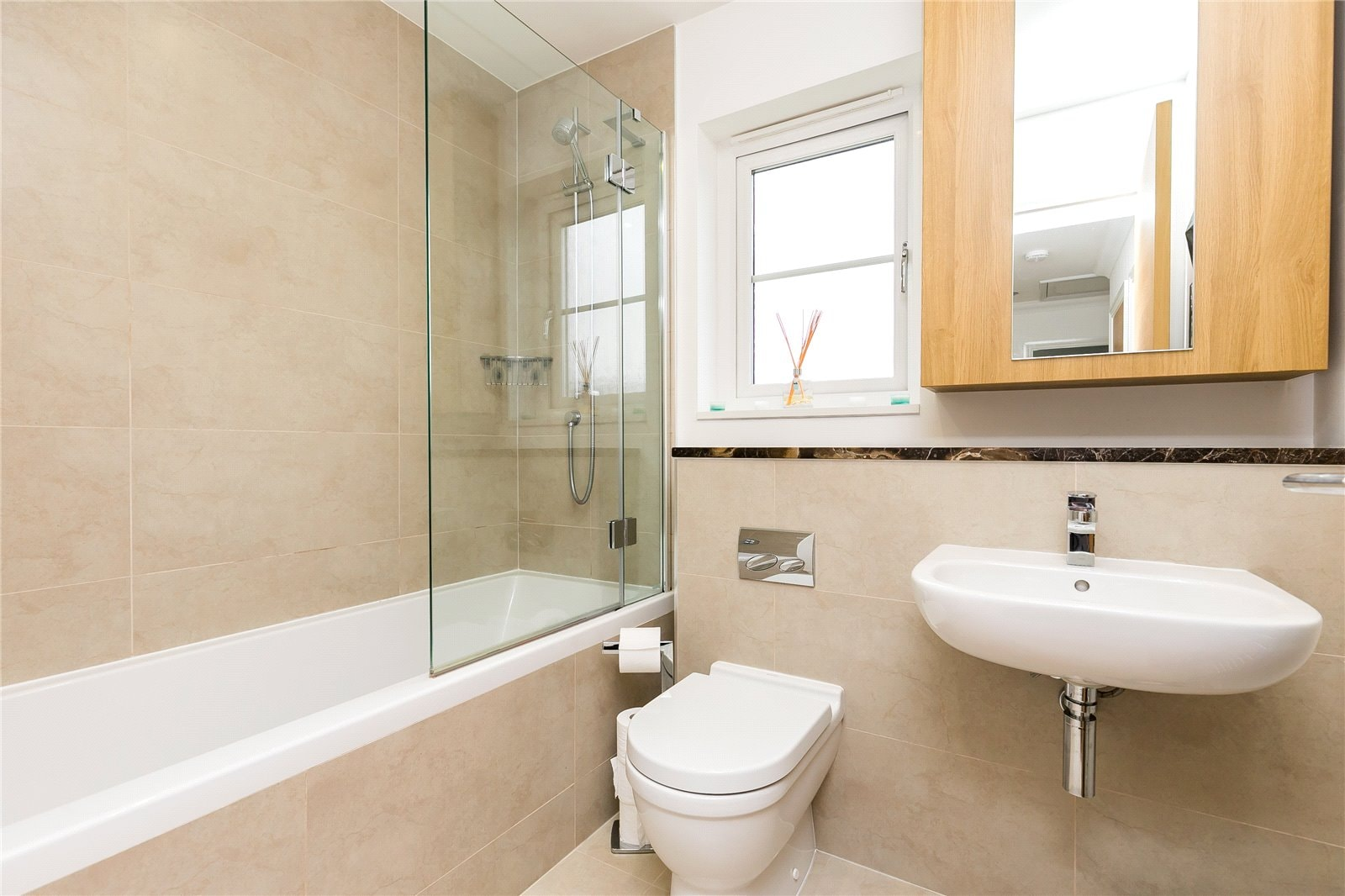 3 Deeside View bathroom