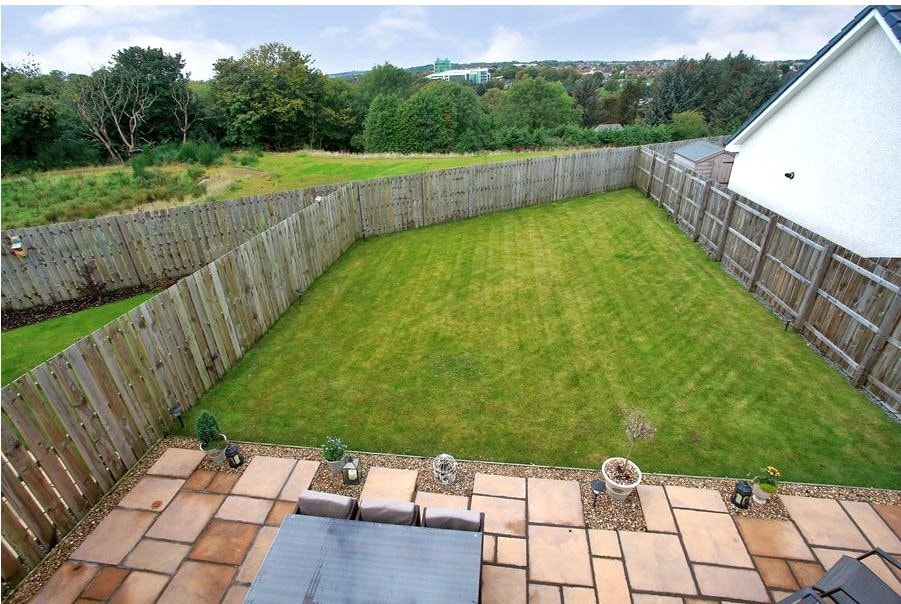 3 Deeside View garden