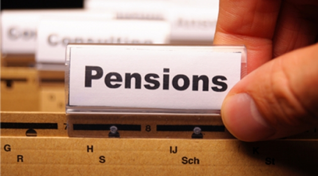 Less than half of workers make regular pension contributions