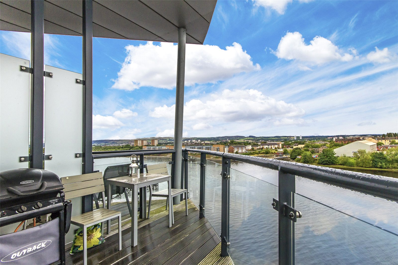 Glasgow Property of the Week: 5/2, 15 Cardon Square
