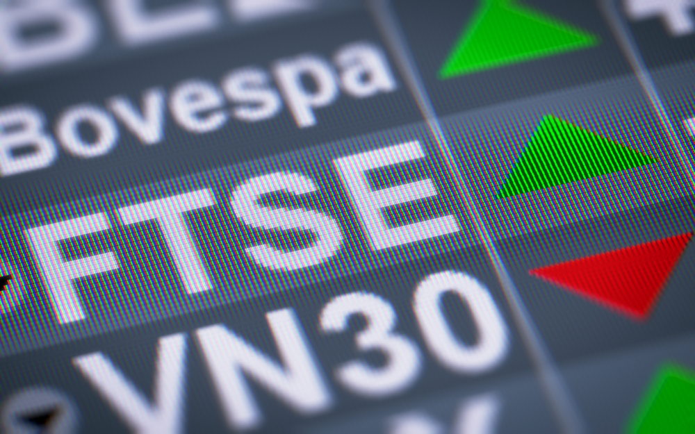 Boost for investors as FTSE 100 reaches record high