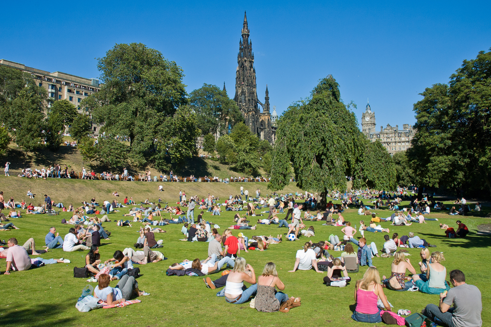Edinburgh property market 'red hot' as buyers bid over valuation