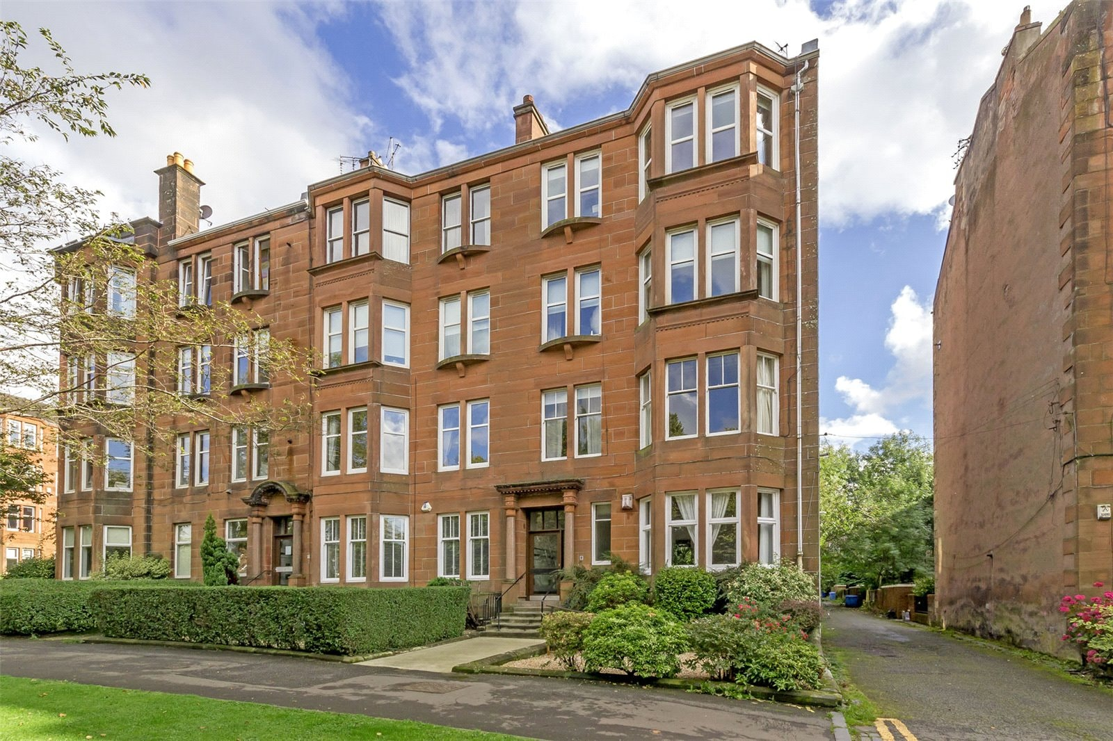 Glasgow Property of the Month: Flat 1/2, 8 Woodcroft Avenue
