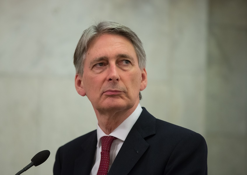 Budget 2017: Chancellor puts pressure on SNP with income tax cut