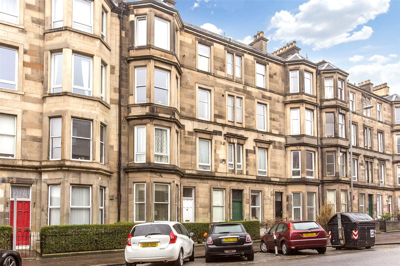 Beautiful flat on Easter Road and priced under £150,000