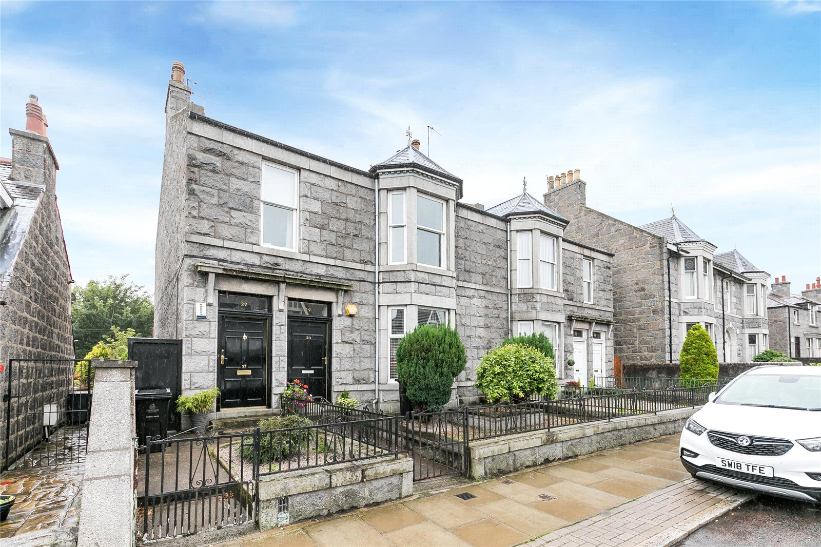 Our latest properties for sale and to let (30th August 2018)
