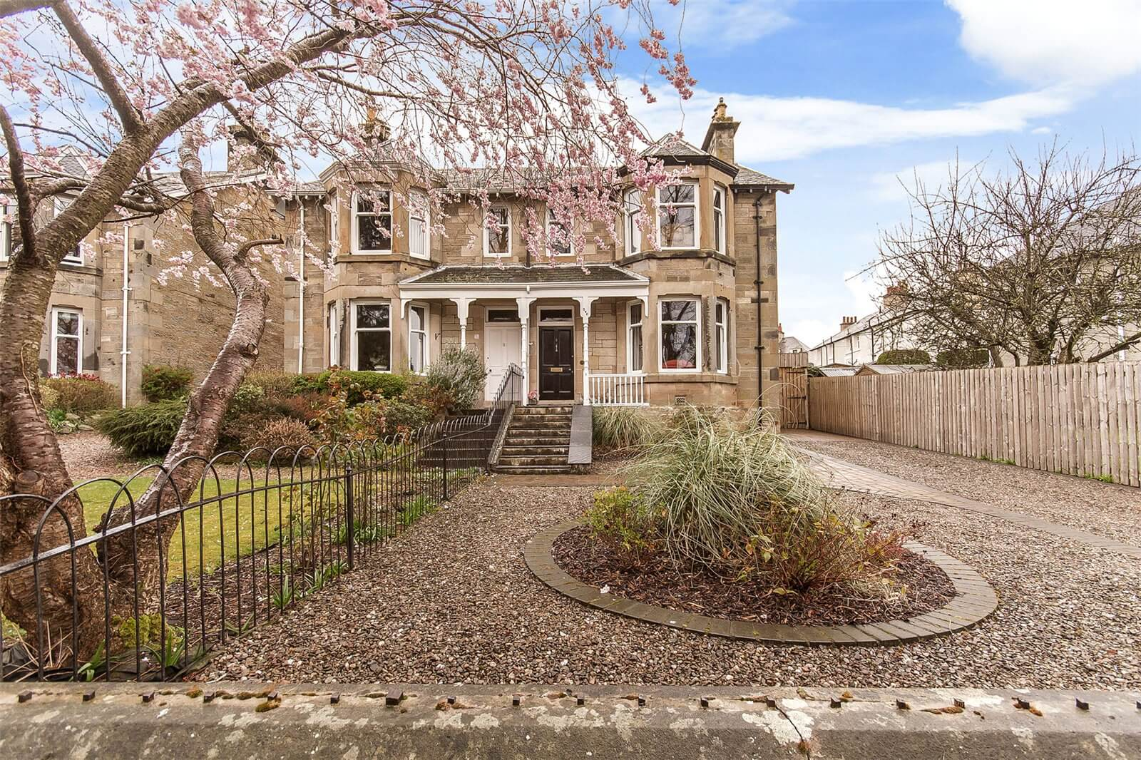 Our latest properties for sale and to let (16th April 2019)
