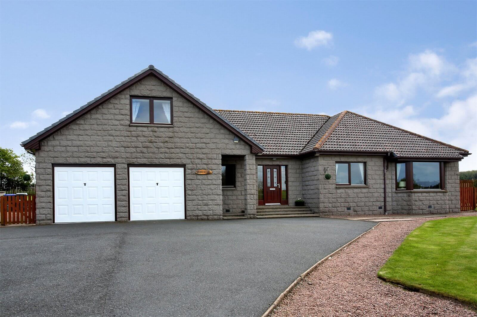 Our latest properties for sale and to let (13th June 2019)