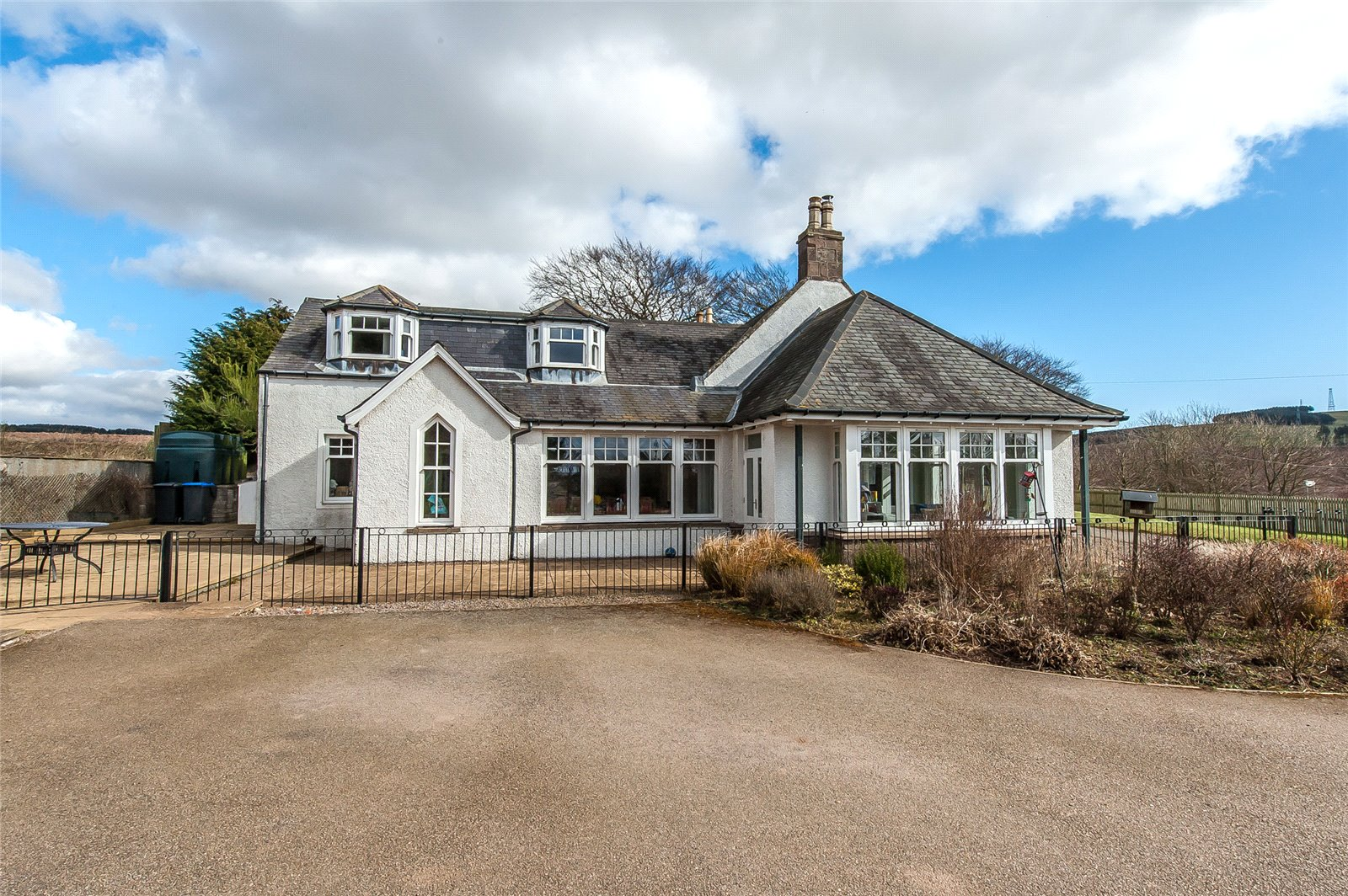 Our latest properties for sale and to let (30th March 2020)