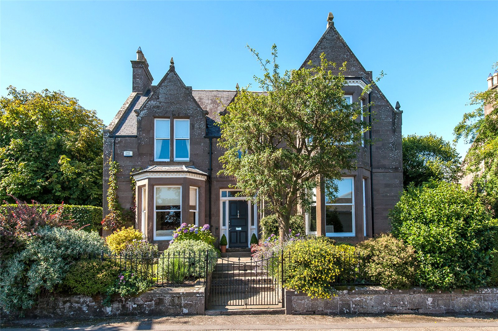 Our latest properties for sale and to let (7th September)